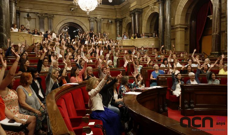 """Moment de la sessió """"El Parlament de les dones"""" l'1 de juliol passat (ACN)."""